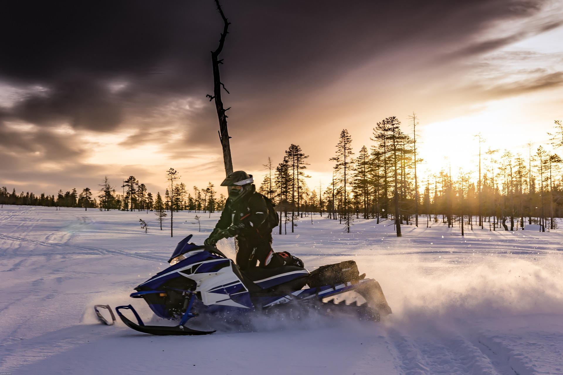 lapland- sneeuwscooters