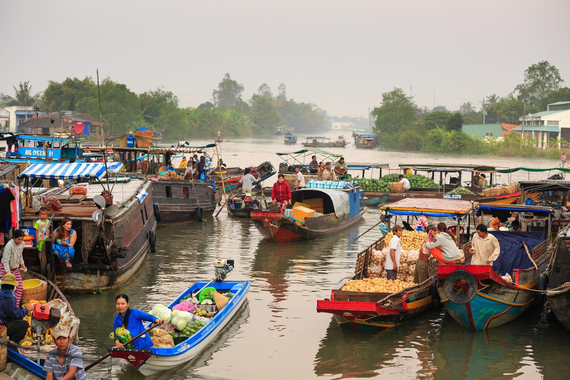 mekong floating-market