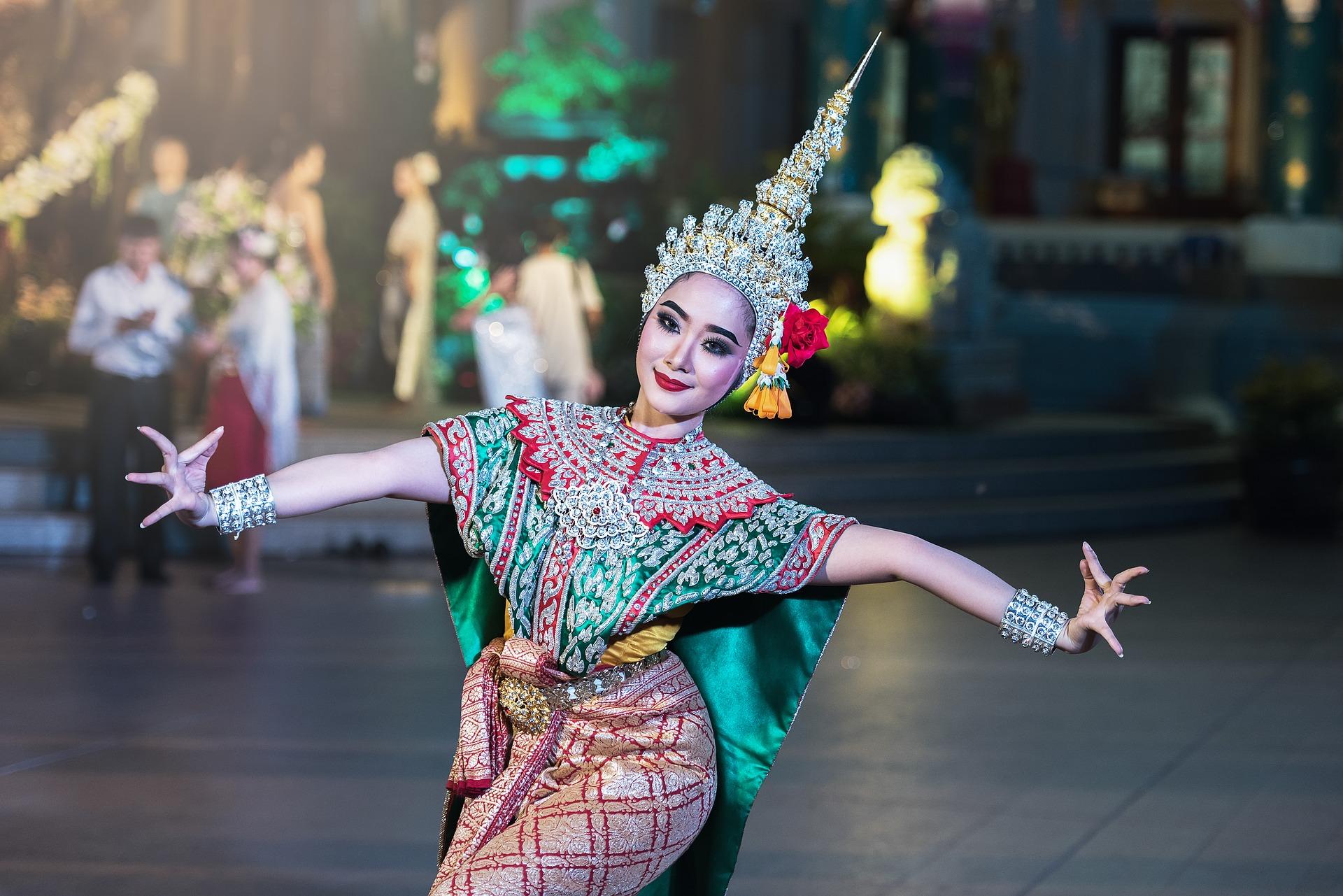 thailand-dancer-1807516_1920